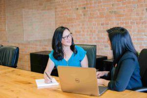 Czym jest pośrednictwo pracy i kto może z niego skorzystać?